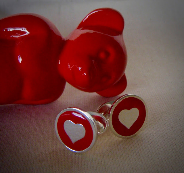 GEMELOS, CUFFLINKS, DEMOARTIST, SAN VALENTIN, VALENTINE´S DAY, LOVE, RED, CORAZON, CUORE, OSO DE DEMO, PARA EL, REGALOS ORIGINALES, REGALOS PERSONALIZADOS, LUXURY, GENTLEMAN, ELEGANCE, FEBRUARY 14TH, 14 DE FEBRERO.